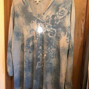 Blue print long sleeve shirt